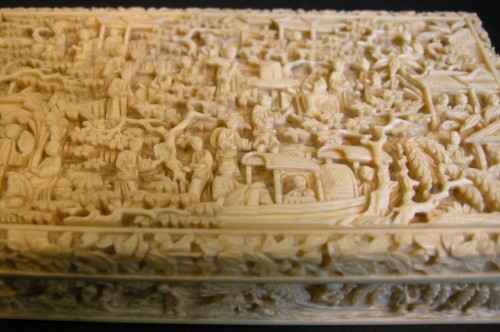 Asian Art & Antiques  - Ivory Box sculpted - Canton 1800/1850