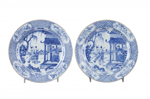 "Pair of dish ""blue and white "" porcelain - circa 1720/1725"