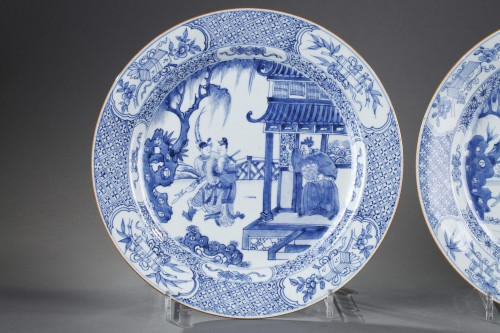 "Pair of dish ""blue and white "" porcelain - circa 1720/1725 - Porcelain & Faience Style"