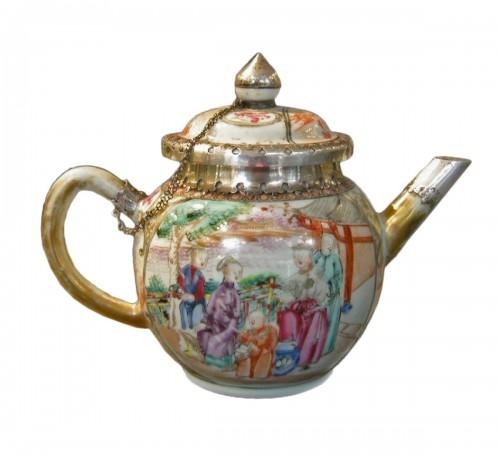 Teapot porcelain Famille rose- Qianlong period 1736/1795 -