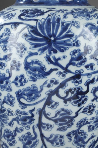 "Pair of vases  "" Blue and White"" porcelain -Kangxi period 1662/1722 -"