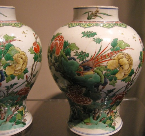 "Asian Works of Art  - Pair vases "" Famille Verte "" - Kangxi period 1662/1722"