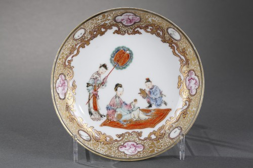 """Cup and saucer """"Famille rose """" porcelain - Yongzheng period 1723/1735 - Asian Works of Art Style"""