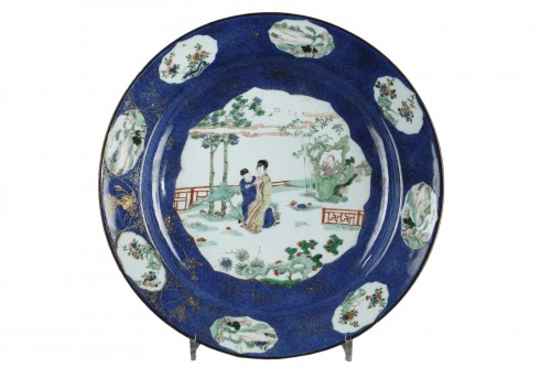 Large dish powder blue and Famille verte enamels - Kangxi 1662/1722