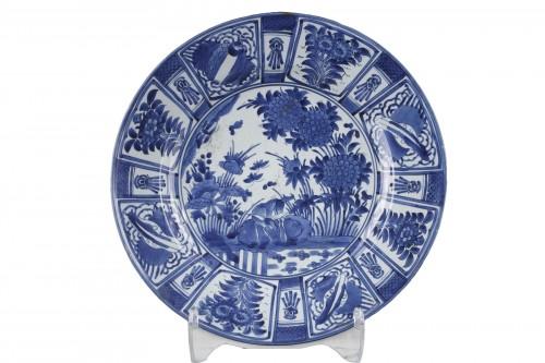 Large dish blue and white porcelain - Japan 1670/1680