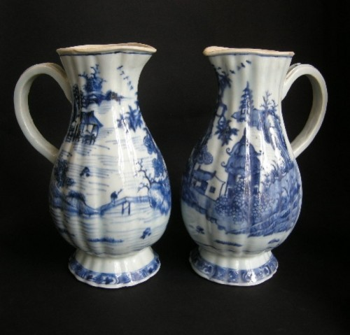 Pair of ewers blue and white porcelain  - Qianlong period 1736/1795 -
