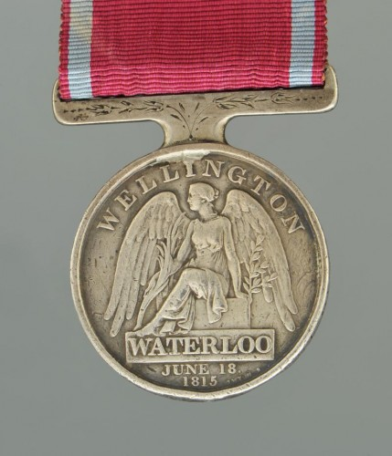 Collections Armes & Souvenirs Historiques - Médaille de waterloo, attribuée au sergent-major edward cotton