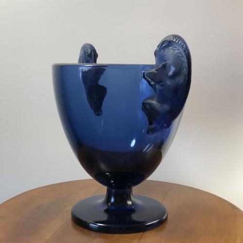 1925 Vase Beliers Navy Blue Glass - Rams Design  - Glass & Crystal Style Art Déco