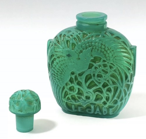 20th century - 1926 Rene Lalique Perfume Bottle Le Jade for Roger & Gallet Jade Glass