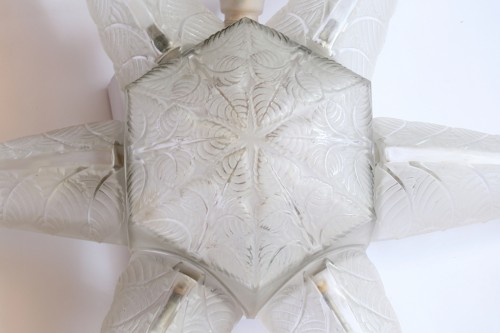 Lighting  - 1924 Rene Lalique Noisetier Chandelier Leaves Pattern in Glass