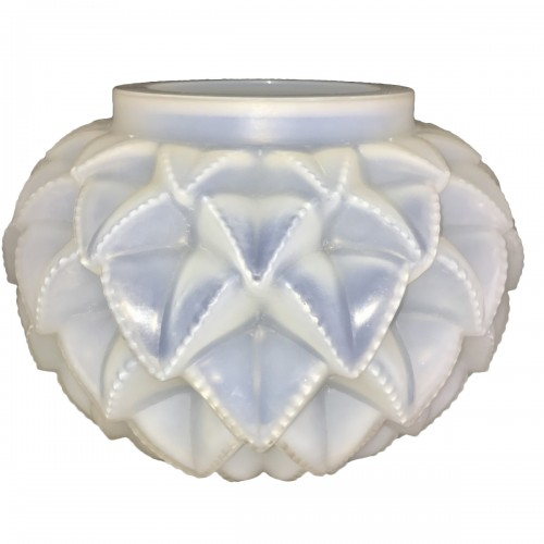 1920 Rene Lalique Languedoc Vase in Opalescent Glass - Leaves