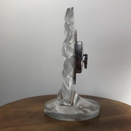 20th century - 1931 Rene Lalique Roitelets Clock Clear Glass Enamel Dial Omega Movement