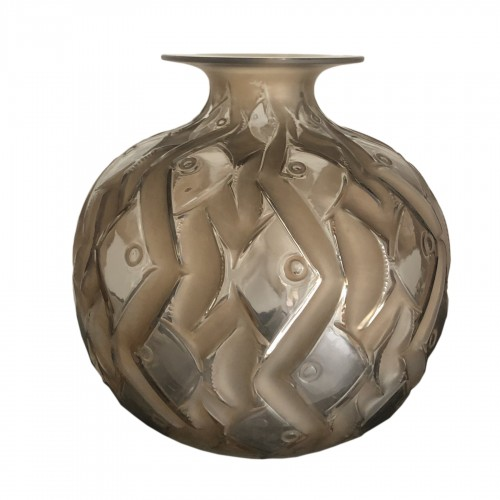1928 René Lalique - Penthievre Vase in Clear Glass with Sepia Patina - Fishes