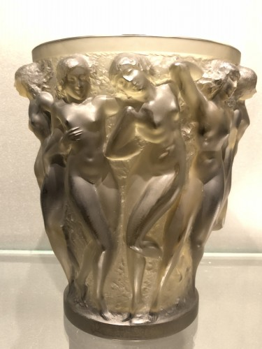 1927 Rene Lalique Bacchantes Vase in Grey Smoked Glass - Dancing Women - Glass & Crystal Style Art Déco