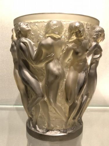 Antiquités - 1927 Rene Lalique Bacchantes Vase in Grey Smoked Glass - Dancing Women