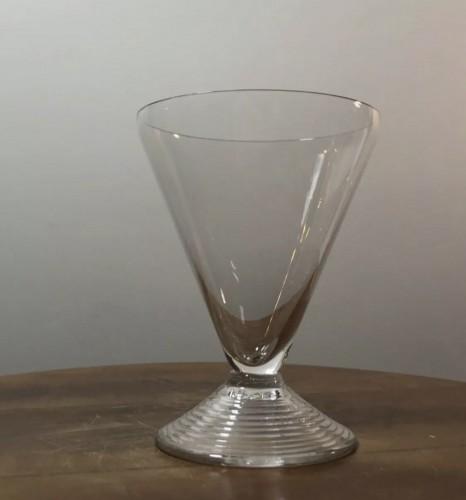20th century - 1937 Rene Lalique Arbois Glasses Set 38 Pieces - 36 Glasses + 2 Decanters