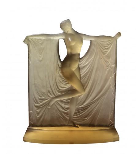 1925 René Lalique Suzanne Statuette Yellow Ambré Glass - Woman Statue