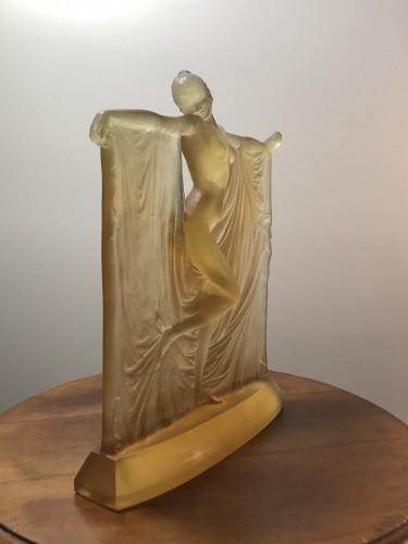 Glass & Crystal  - 1925 René Lalique Suzanne Statuette Yellow Ambré Glass - Woman Statue