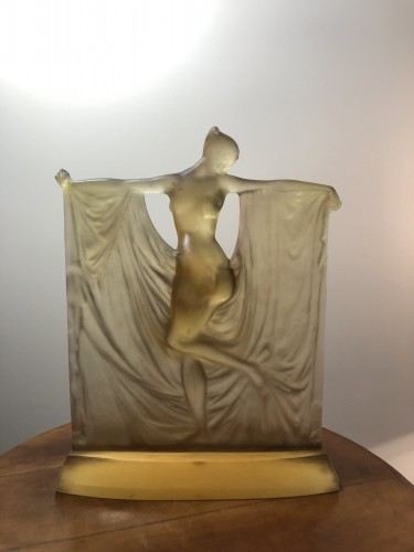 1925 René Lalique Suzanne Statuette Yellow Ambré Glass - Woman Statue - Art Déco