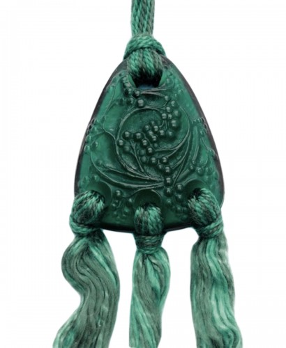 1920 René Lalique - Emerald Green Seeds Pendant