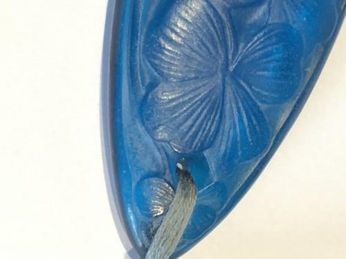 20th century - 1920 René Lalique - Pendant Electric Blue Clovers