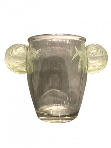 1926 Rene Lalique vase Yvelines clear glass with green patina
