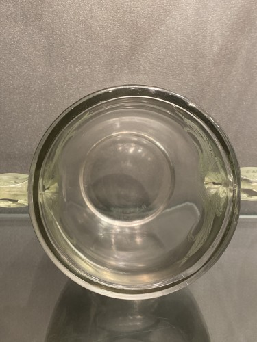 1926 Rene Lalique vase Yvelines clear glass with green patina - Art Déco