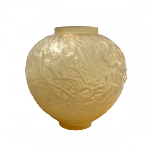 1920 Rene Lalique Gui Vase in Yellow & Opalescent Glass - Mistletoe