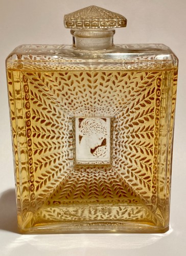 20th century - 1925 Rene Lalique - La Belle Saison Sepia Stain Perfume Bottle for Houbigant