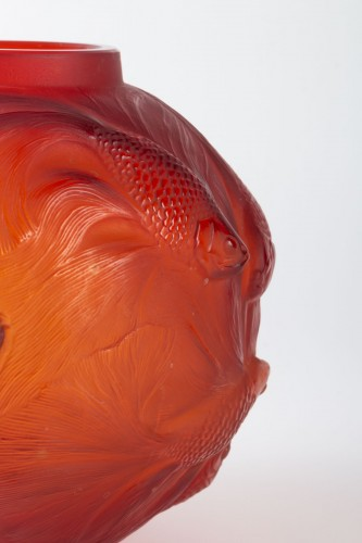 20th century - 1930 René Lalique Spirales Vase in Red Orangy Glass