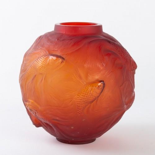 Art Déco - 1930 René Lalique Spirales Vase in Red Orangy Glass