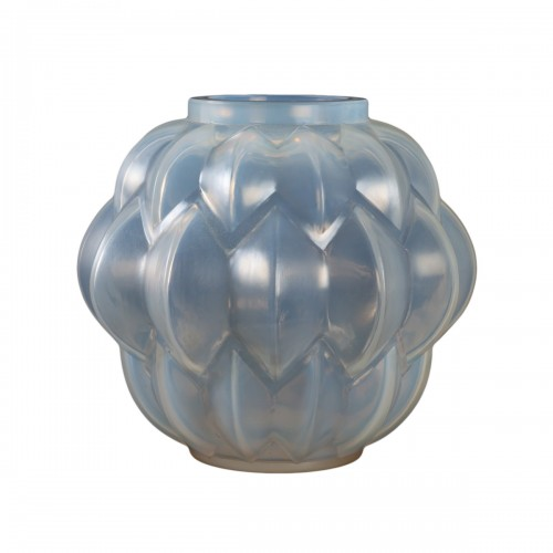 1927 Rene Lalique Nivernais Vase in Triple Cased Opalescent Glass