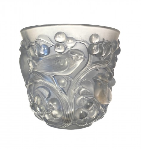 1927 Rene Lalique Avallon Vase in Frosted Glass with Blue Patina