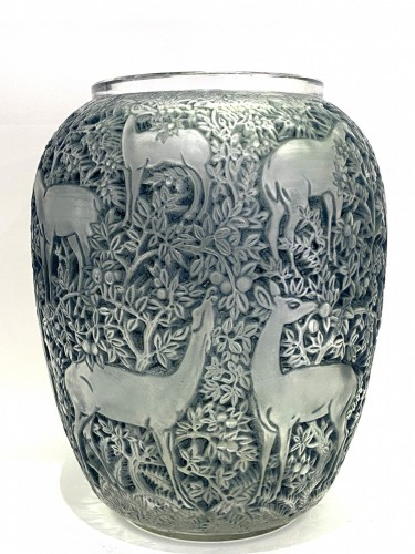 20th century - 1932 René Lalique Biches Vase in Frosted Glass with Blue Patina