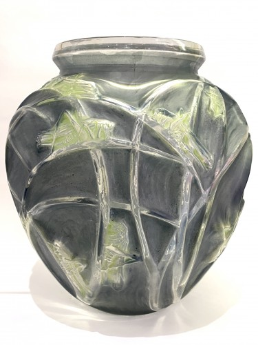 1912 Rene LALIQUE - Vase Sauterelles Frosted Glass Blue and Green Patina - Glass & Crystal Style Art nouveau