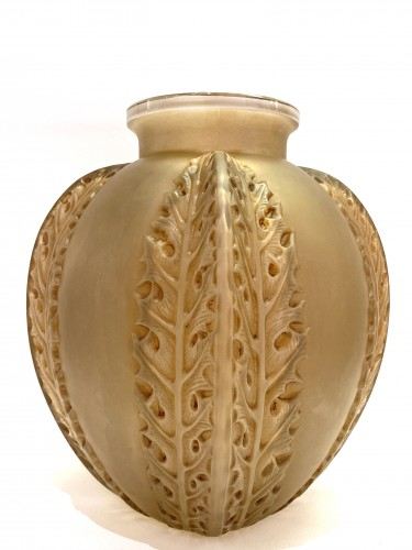 20th century - 1922 Rene Lalique - Vase Chardons in Frosted Glass with Sepia Patina