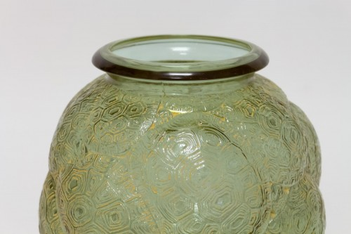 1926 Rene Lalique - Vase Tortues Alexandrite - Pink and Green  - Art Déco