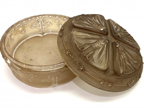 Glass & Crystal  - 1911 Rene Lalique - Box Jar Quatre Papillons Frosted Glass Sepia Patina