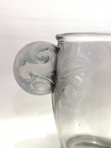 Glass & Crystal  - 1926 Rene Lalique - Vase Yvelines Clear Glass with Blue Patina