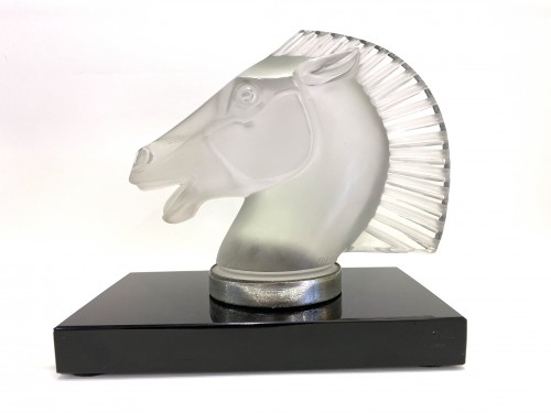 1929 Rene Lalique - Mascot Bookend Longchamp B Frosted Glass on Black Glass - Glass & Crystal Style Art Déco
