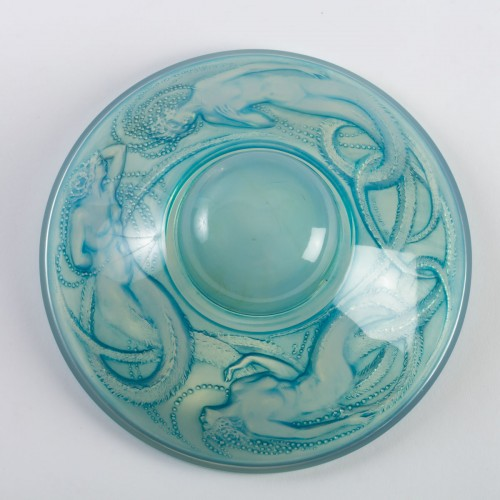 20th century - 1921 René Lalique - Inkwell Trois Sirenes Opalescent Glass Blue Patina
