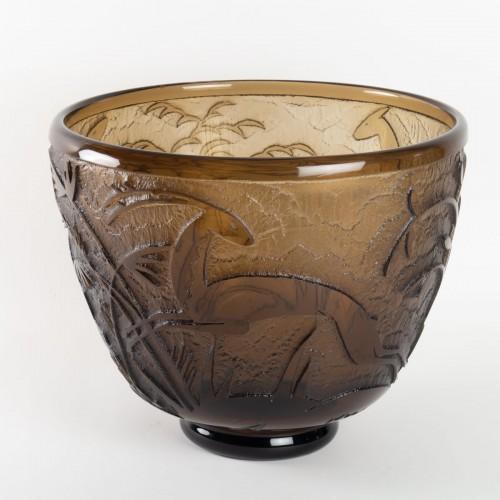"""Daum - Monumental Vase """"Antilopes et Feuillage"""" Topaz Glass Acid-Etched - Glass & Crystal Style Art Déco"""