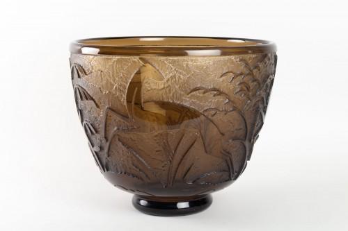 "20th century - Daum - Monumental Vase ""Antilopes et Feuillage"" Topaz Glass Acid-Etched"