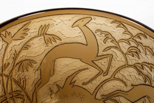 """Antiquités - Daum - Monumental Vase """"Antilopes et Feuillage"""" Topaz Glass Acid-Etched"""
