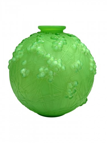 1924 René Lalique - Vase Druide Triple Cased Jade Green Glass