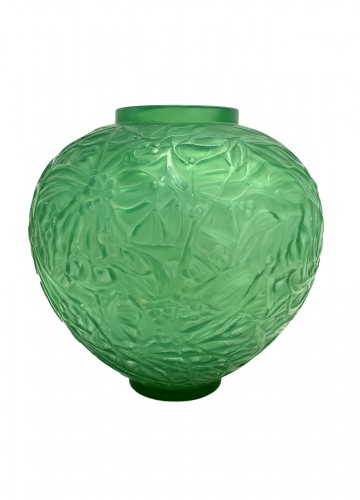 1920 René Lalique - Vase Gui Triple Cased Jade Green Glass