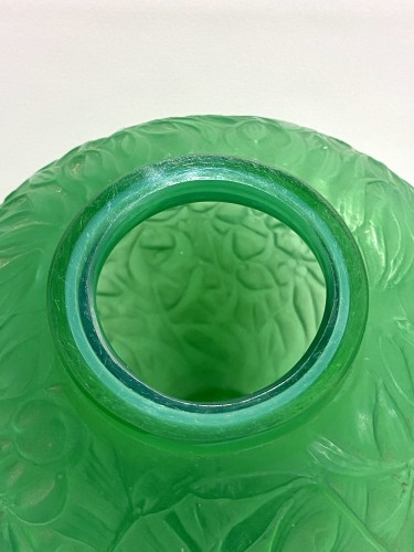 1920 René Lalique - Vase Gui Triple Cased Jade Green Glass -