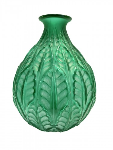 1927 René Lalique - Vase Malesherbes Emerald Green Glass White Patina
