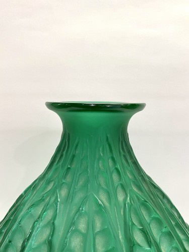 Glass & Crystal  - 1927 René Lalique - Vase Malesherbes Emerald Green Glass White Patina