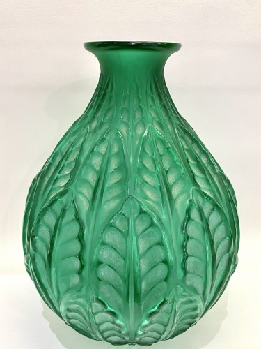 1927 René Lalique - Vase Malesherbes Emerald Green Glass White Patina -